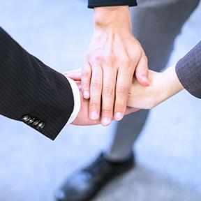 スタッフ同士で目的を共有し、チームワークを高める