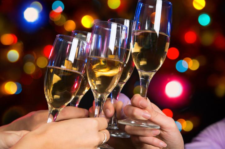 懇親会やパーティーの会場は貸し会議室が盛りあがる3つの理由
